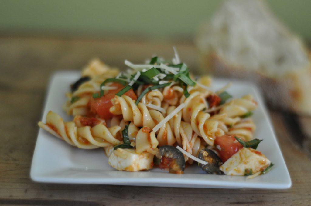 sun-dried tomatoe pasta salad