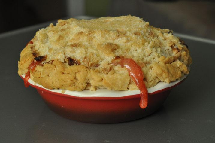 apple strawberry crumble pie